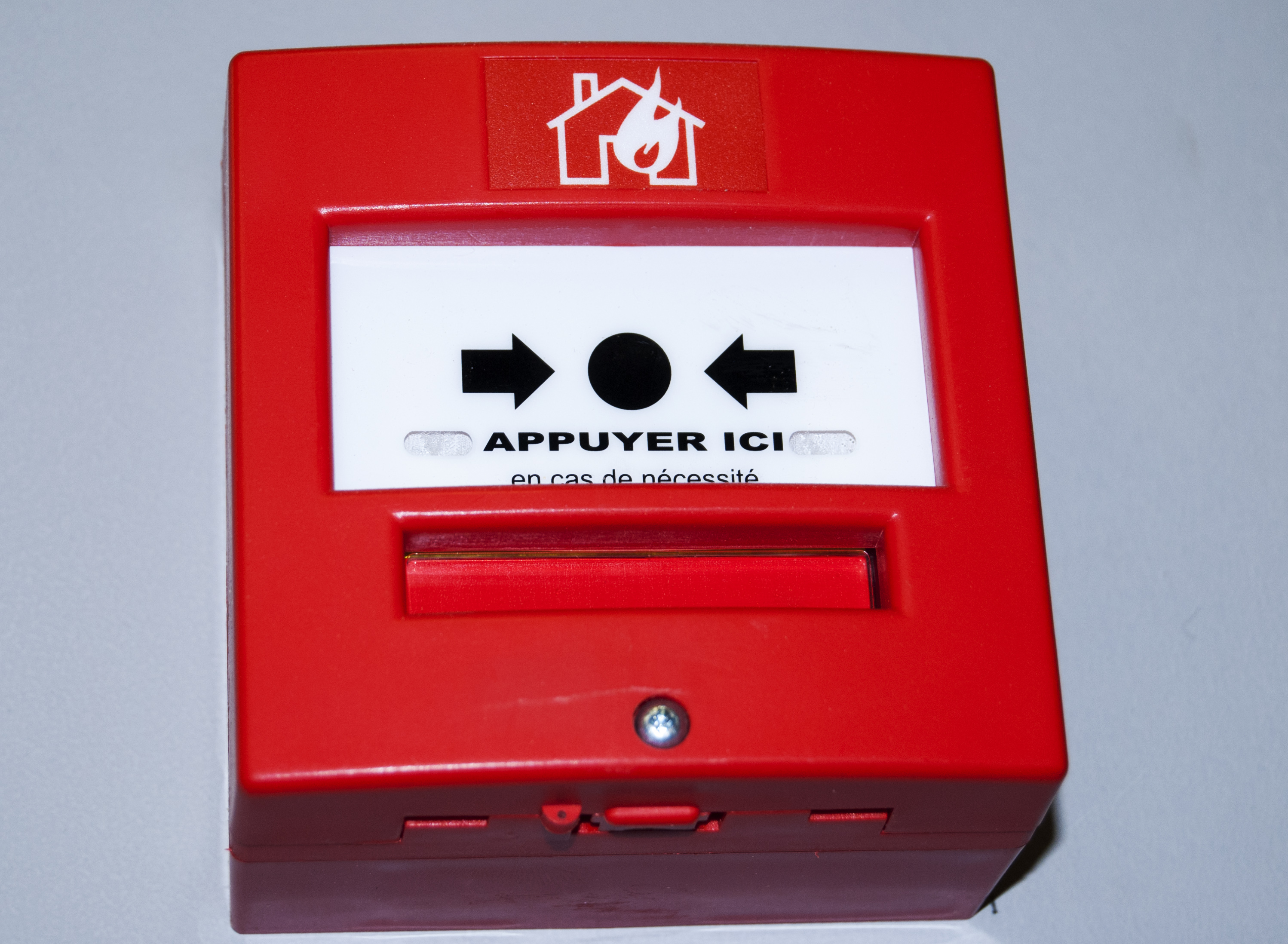 controleAccess_bouton-pompier_02